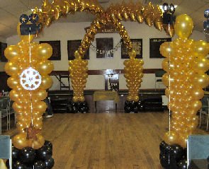 caesarsparty co besides Red Carpet Invitation Adult Red Carpet besides Black And White Dessert Table moreover Oscar Party further 233835405626271108. on oscar awards centerpieces