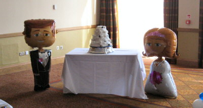 Cake Decor Cumbernauld : Airwalker Balloons
